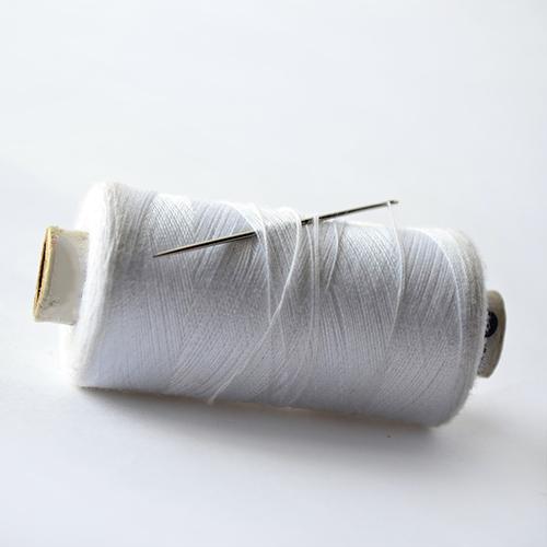 Filo per cucire realizzato in cotone