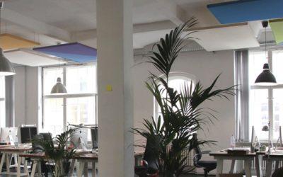 Pannelli fonoassorbenti decorativi con attacco a soffitto