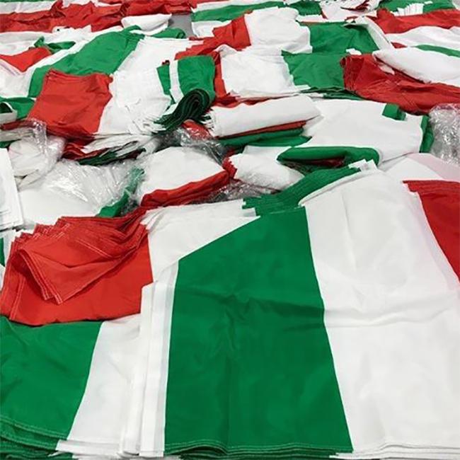 confezione bandiere italia