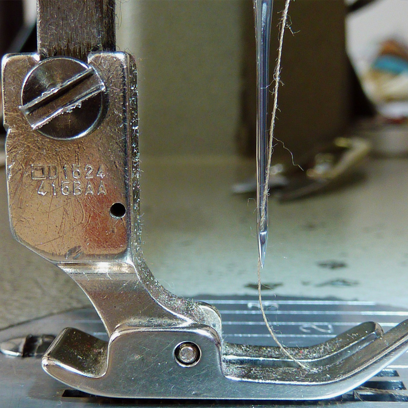 Dettaglio ago per macchina da cucire